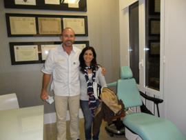 Dr. Marta Cuadra y el Dr. Fernández durante su visita.