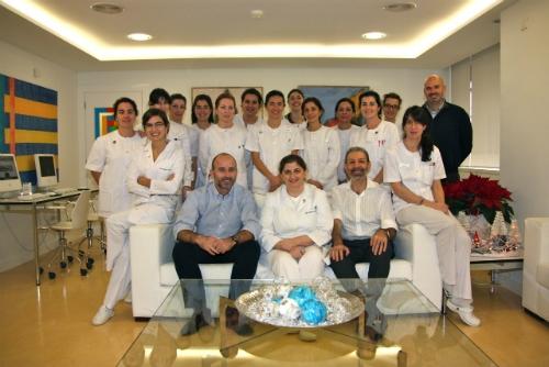 Dra. Montserrat González Do Nascimento, Don Carlos Grossi, Dr. Leandro Fernández y Staff.