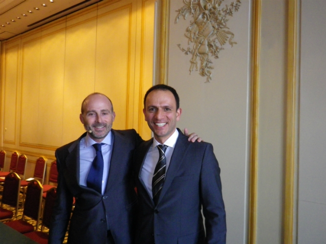 Dr. Esfandiar Modjahedpour y Dr. Leandro Fernández.