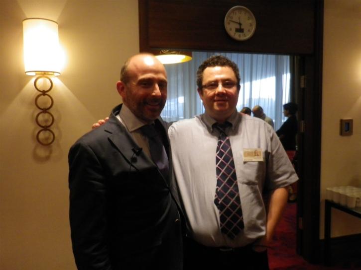 Dr. Leandro Fernández y Marcin Zwolinski, responsable de Marketing y Ventas de 3M Unitek en Polonia.
