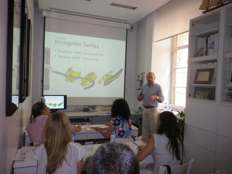 Dr. Leandro Fernández impartiendo el curso II.