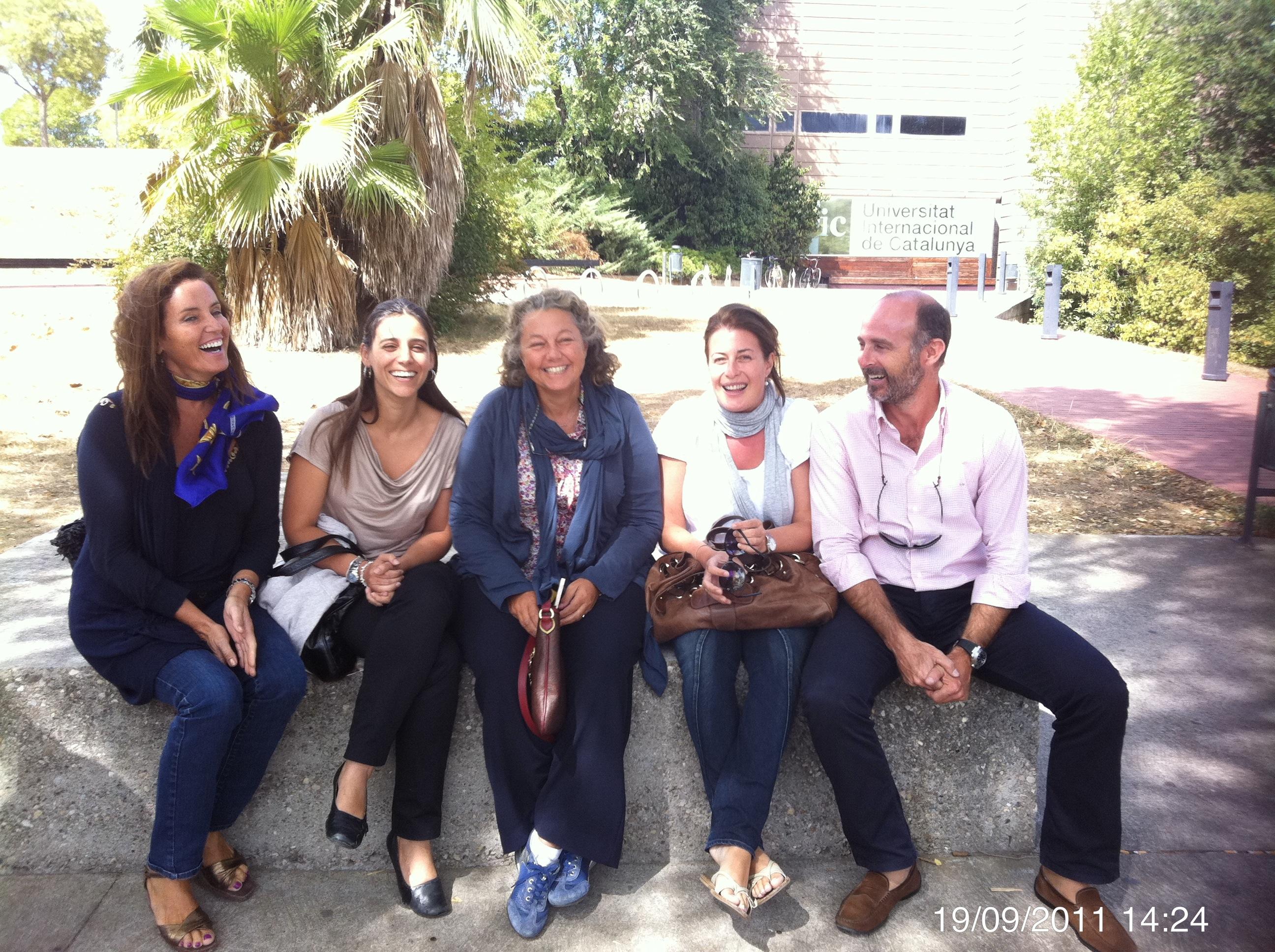 Dra. Emma Serra, Dra. Paula Ramírez, Dra. Ana Molina, Dra. Natalia Mateo y Dr. Leandro Fernández.
