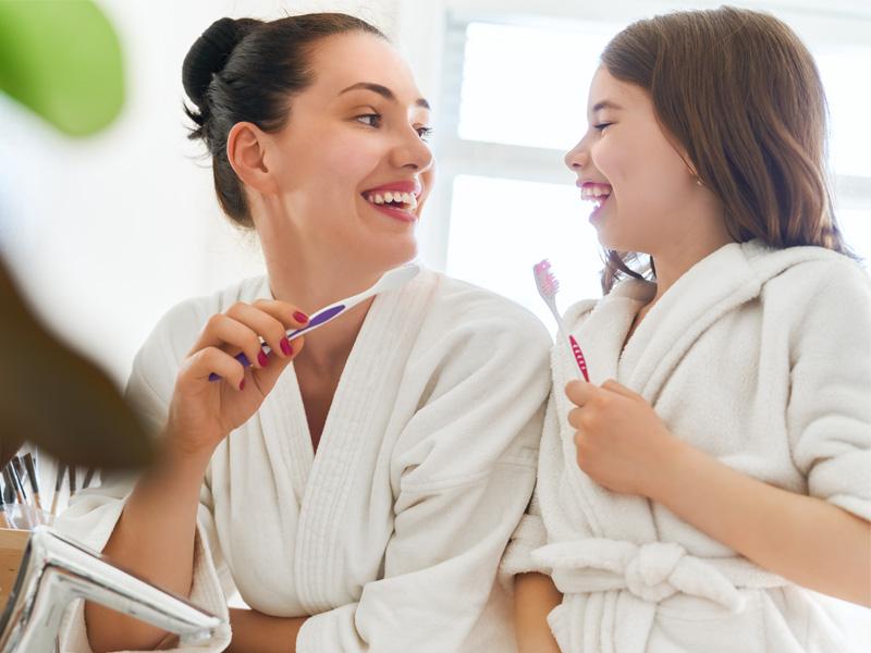 cómo limpiarse los dientes correctamente